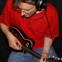 Peter Uehlinger - Vocals, Guitars, Mandolin, Bouzouki, Banjo, Ukulele, Blues Harp