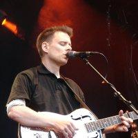 Peter Uehlinger - Vocals, Guitars