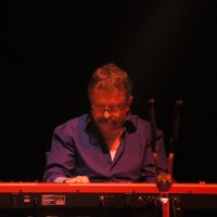 Stefan Von�sch - Keyboards, Accordion